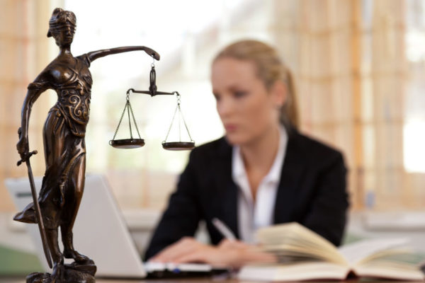 3 métiers du droit privé